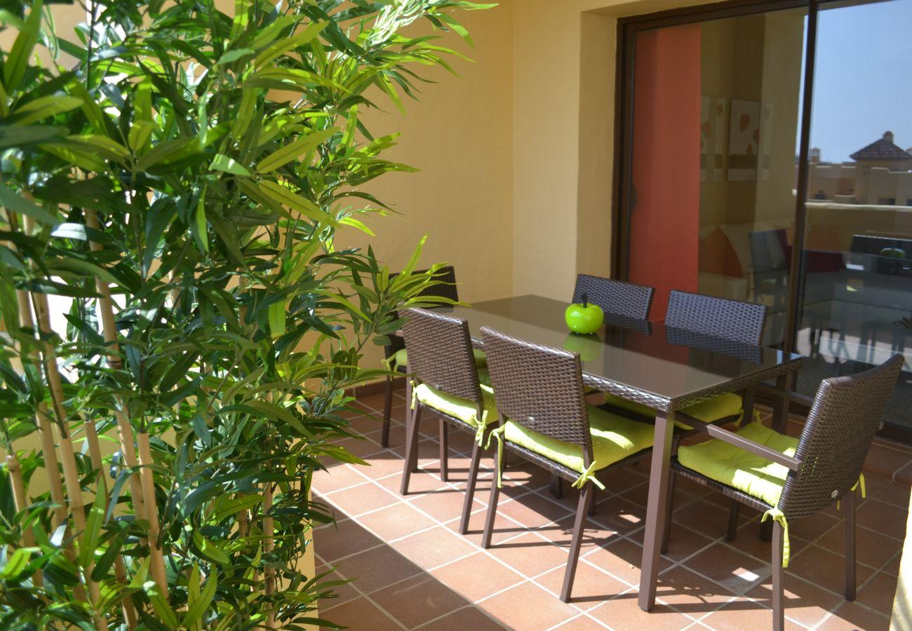 ZapHoliday - 2115 - appartement verhuur in Manilva, Costa del Sol - terras