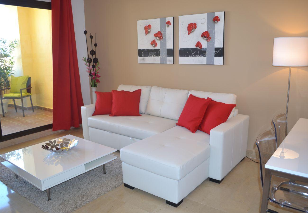 ZapHoliday - 2115 - appartement verhuur in Manilva, Costa del Sol - woonkamer