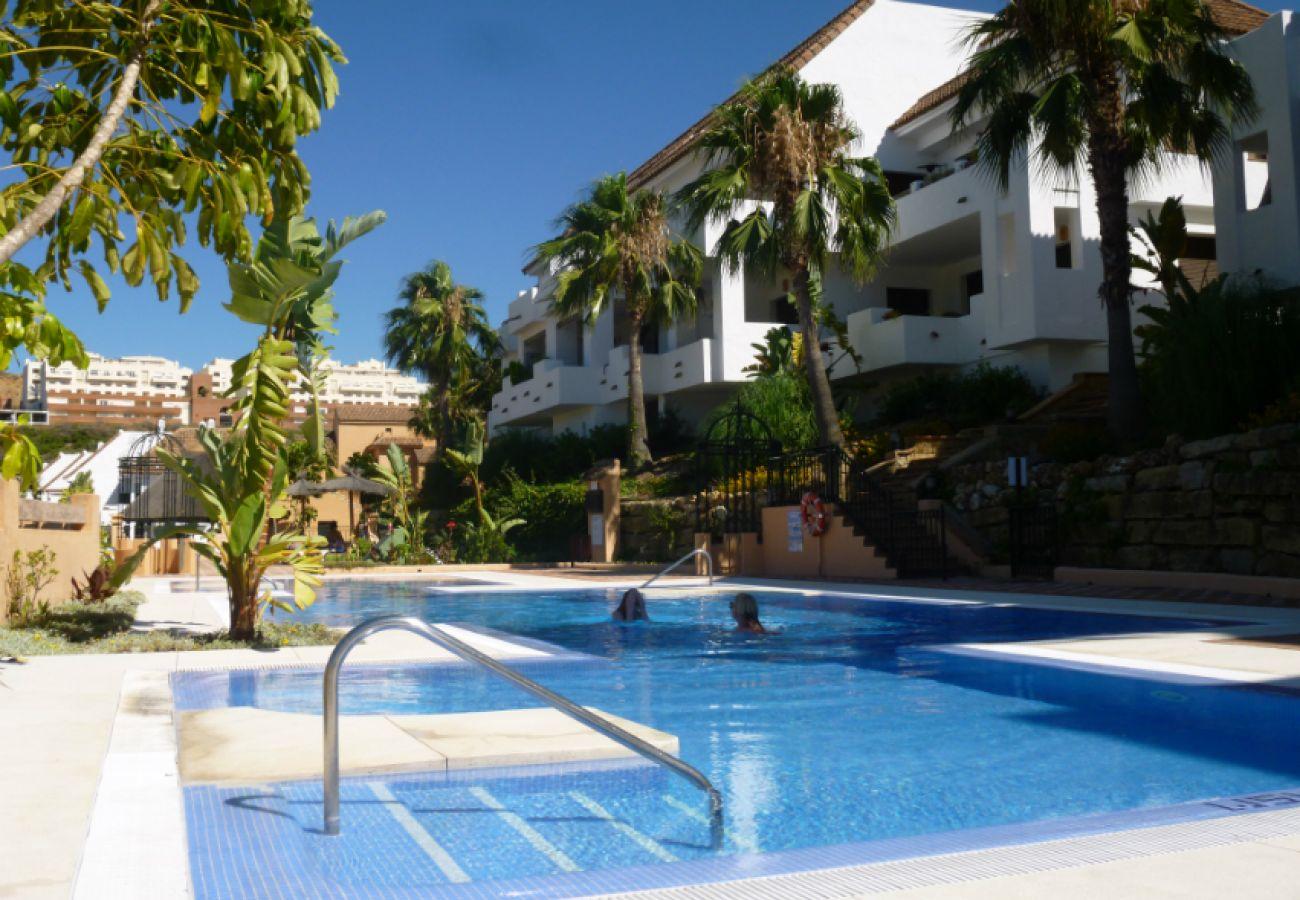 ZapHoliday - 2115 - appartement verhuur in Manilva, Costa del Sol - zwembad