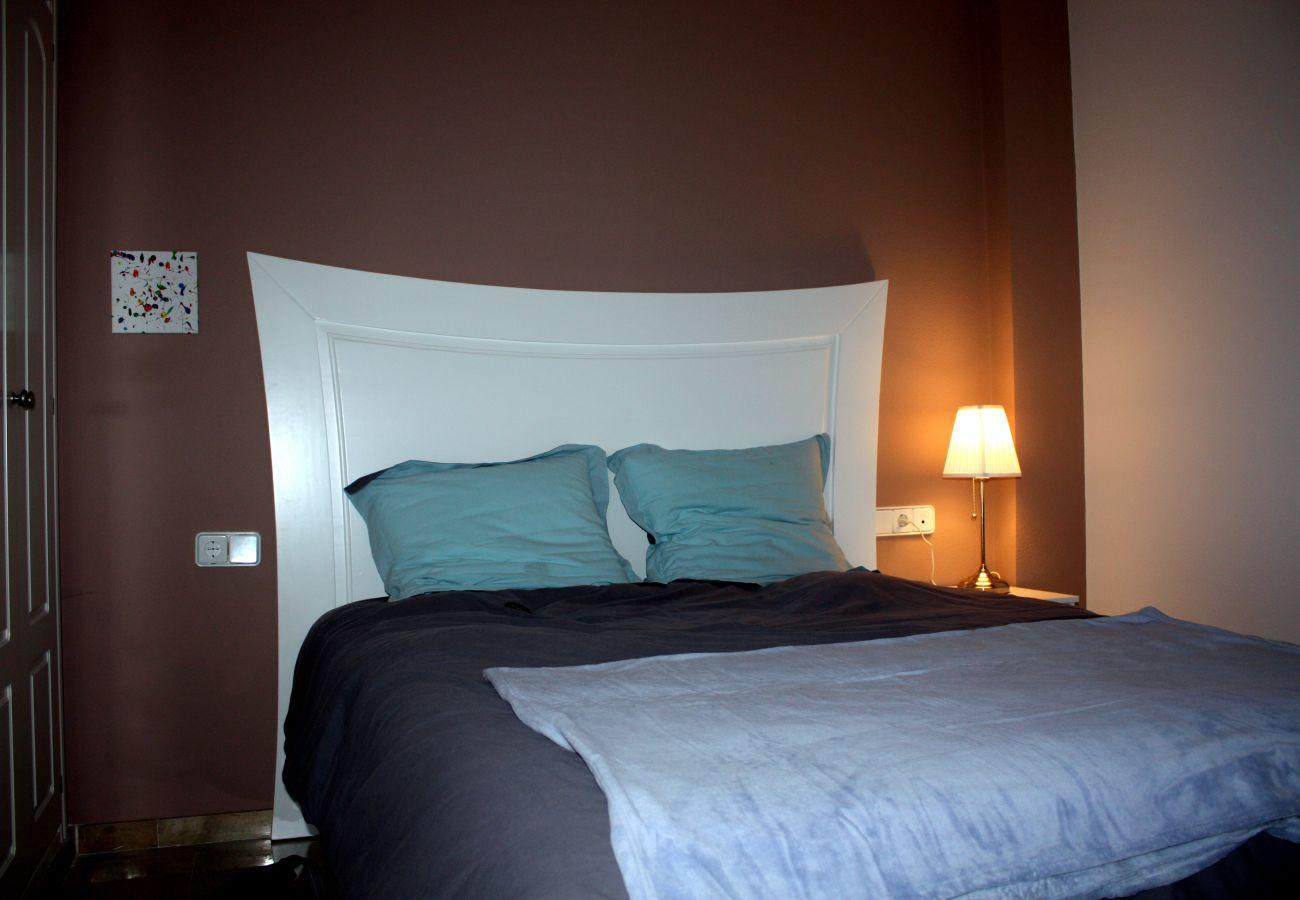 Zapholiday - 2099 - Appartement te huur aan Golf La Duquesa, Costa del Sol - slaapkamer