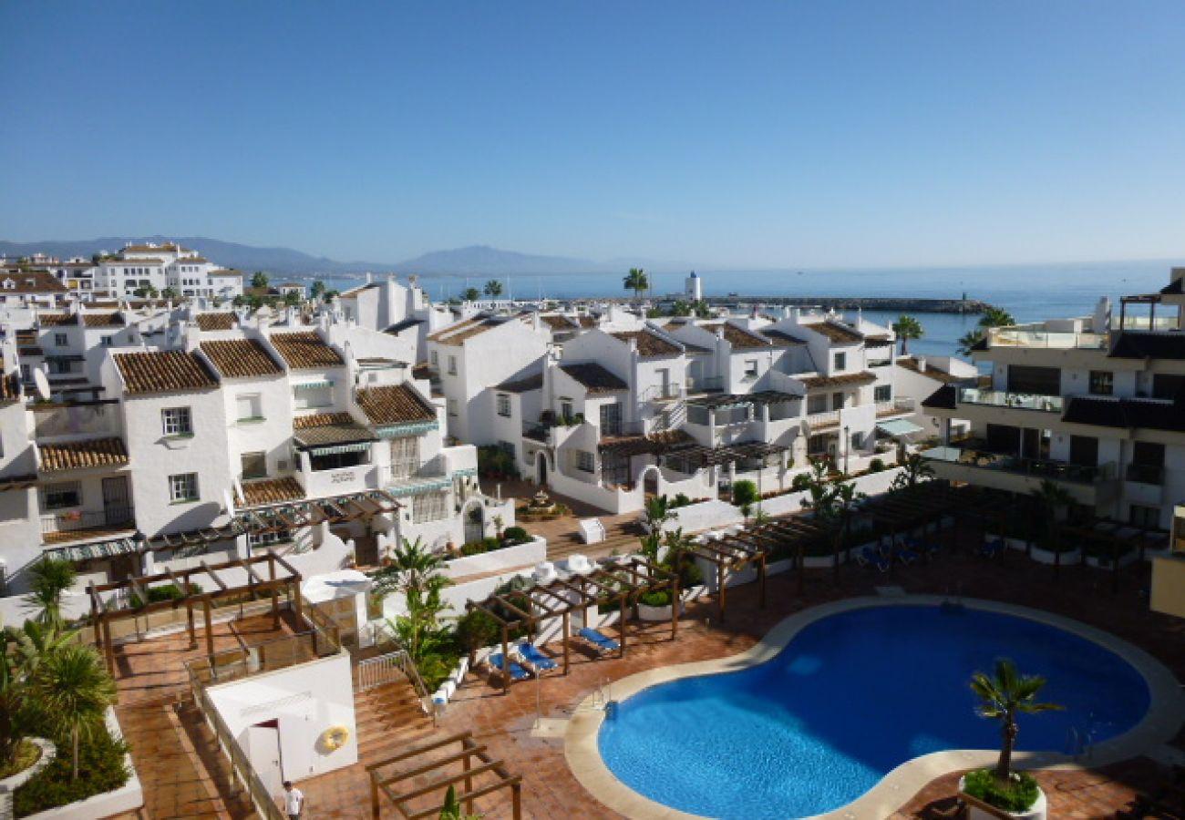 Zapholiday - 2129 - La Duquesa appartement, Costa del Sol - zwembad
