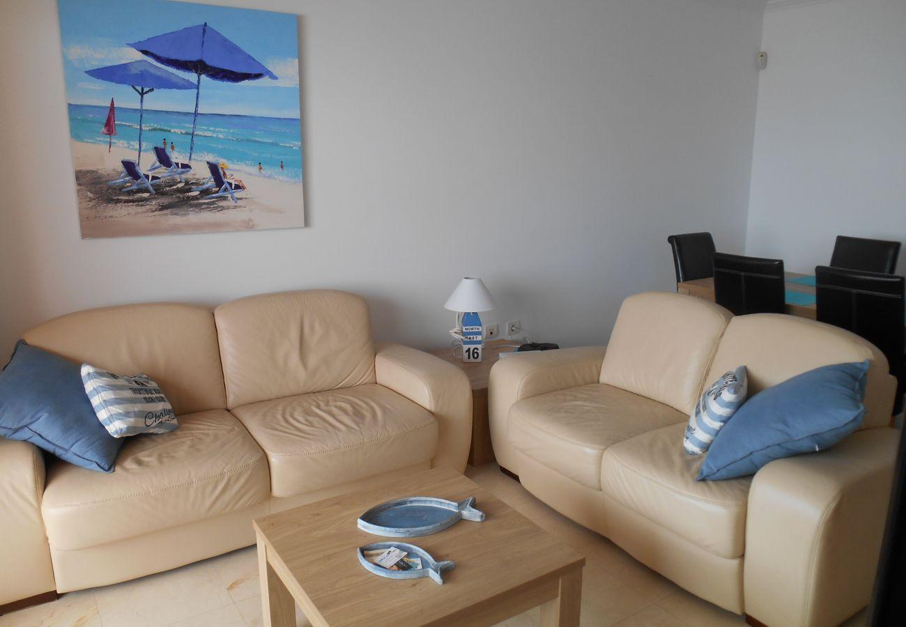 Zapholiday - 2180 - Casares appartementhuur – woonkamer