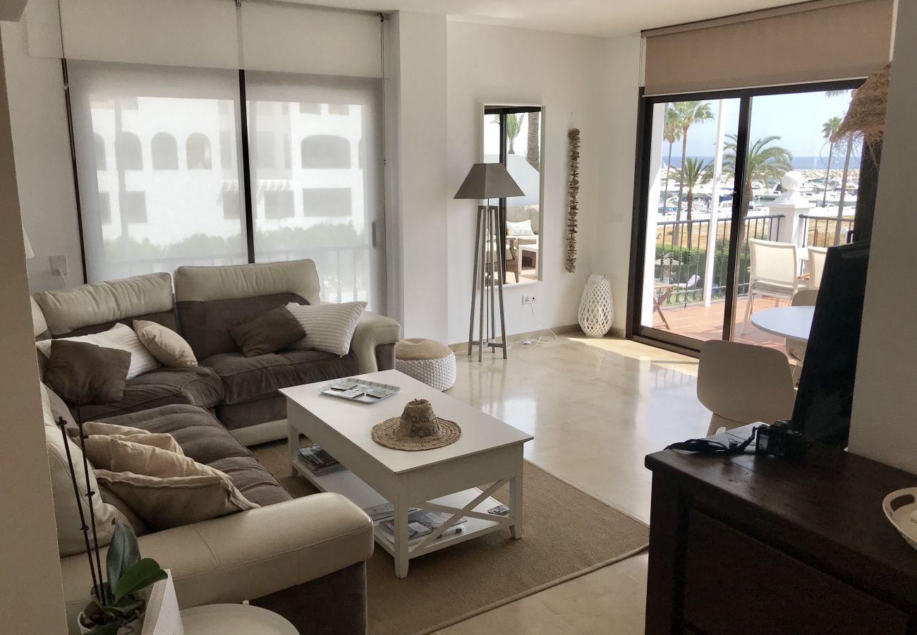 Zapholiday - 2204 - Duquesa vakantieappartement - living room