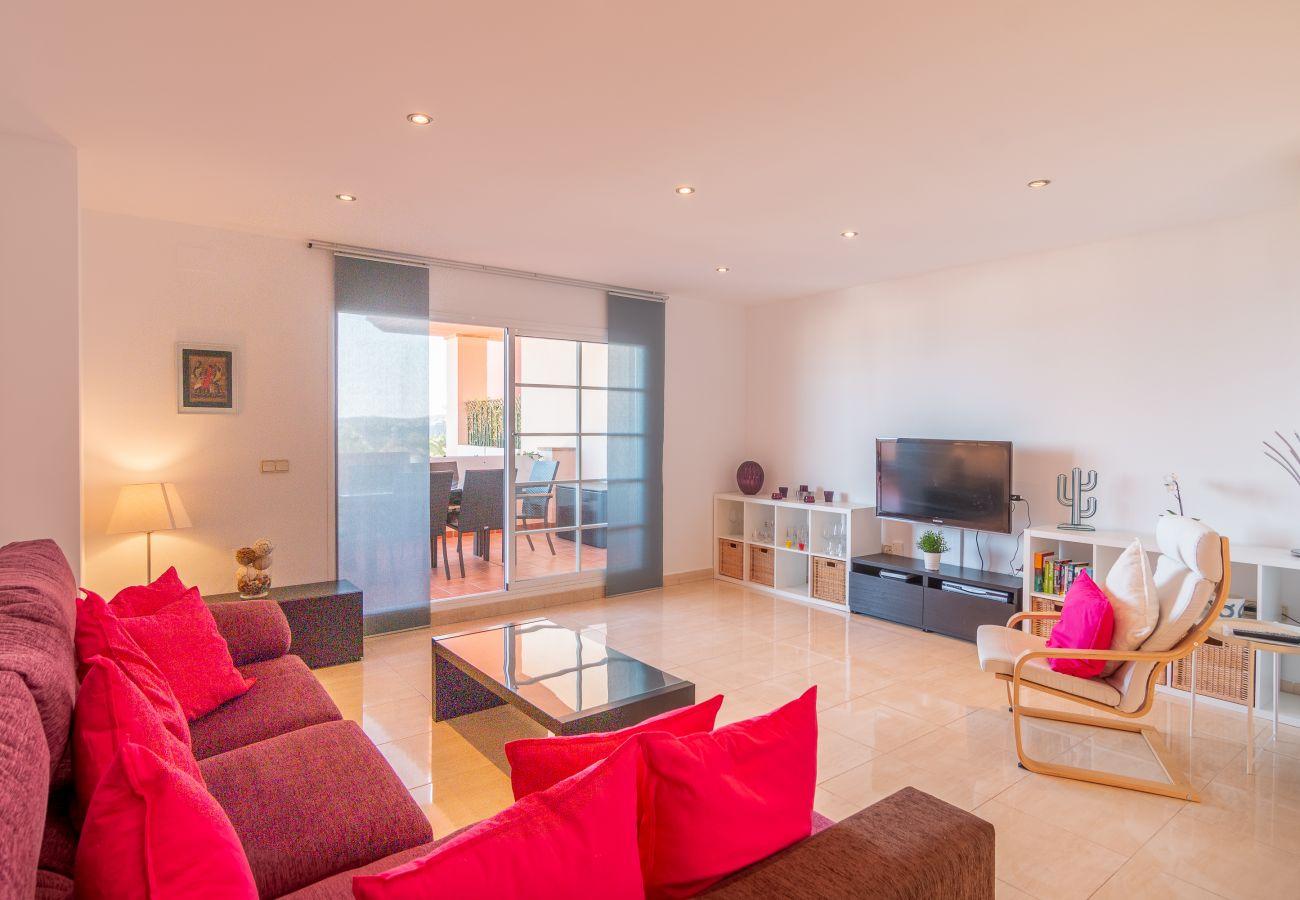 Zapholiday - 2211 - La Duquesa vakantieappartement - living room