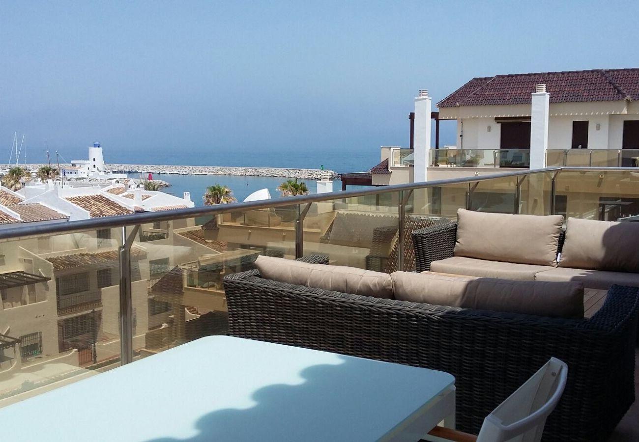 Zapholiday - 2218 - La Duquesa vakantieappartement - uitzicht op zee