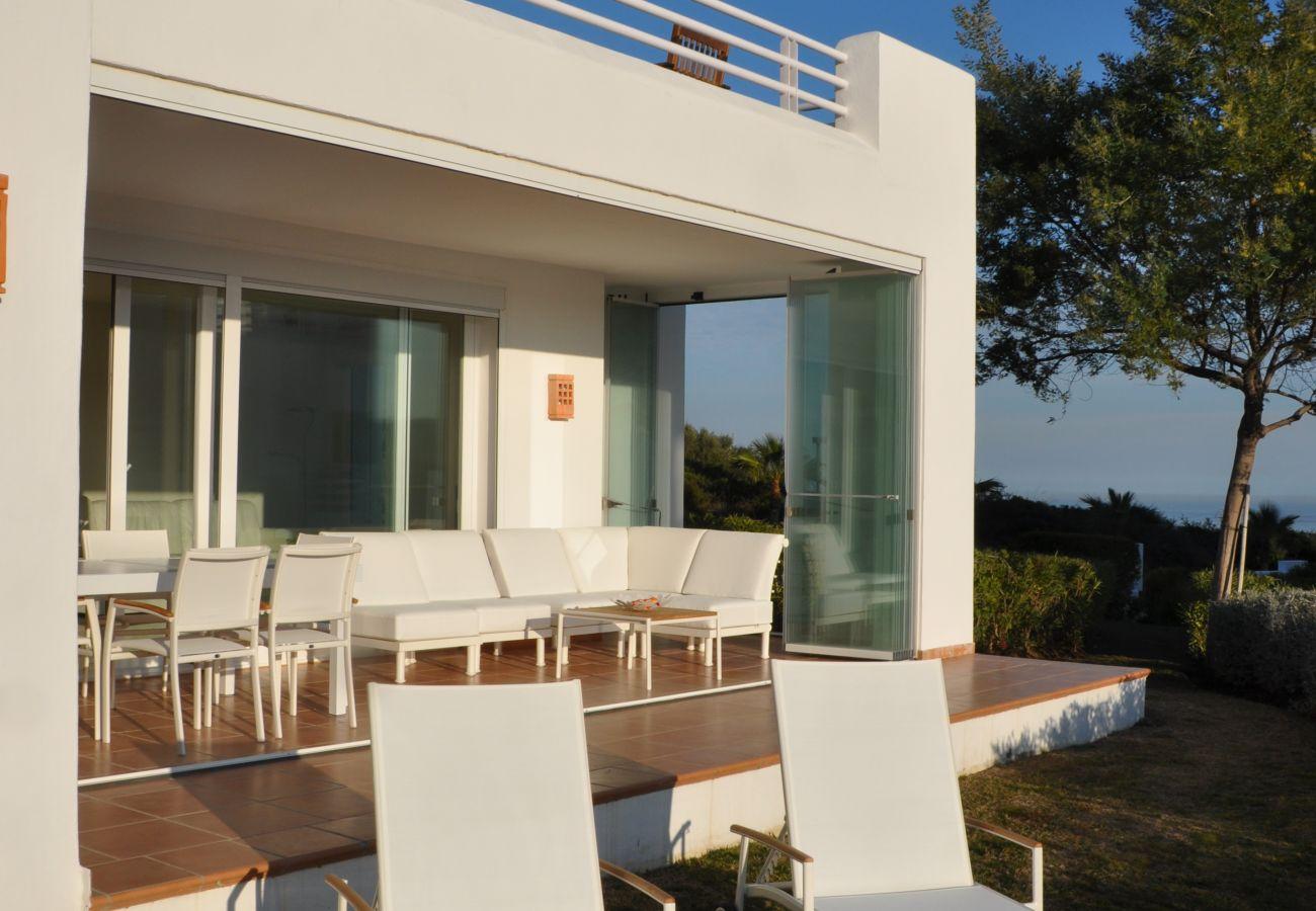 Zapholiday - 2221 - Estepona vakantieappartement - terras