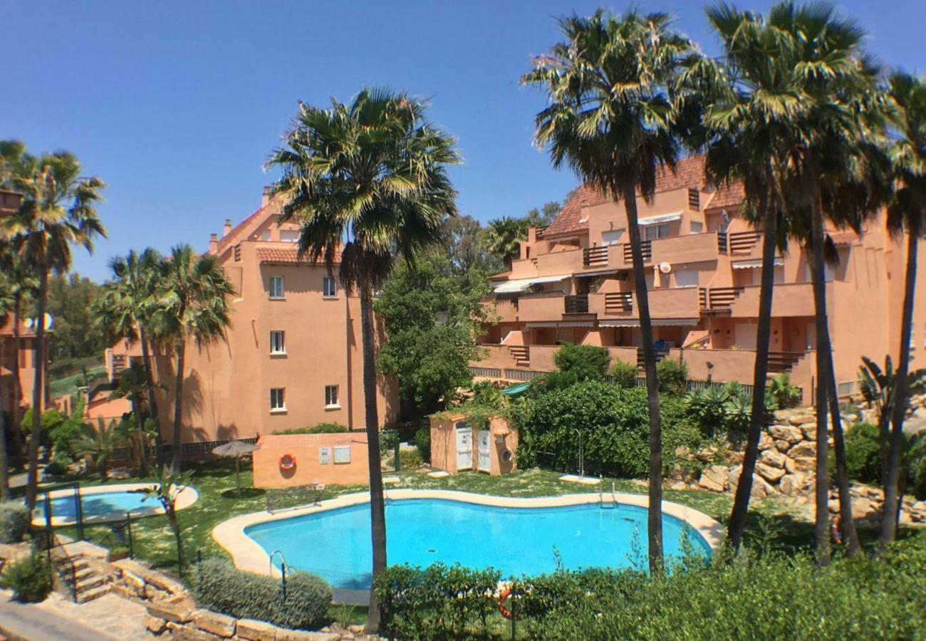 Zapholiday - 2236 - Casares appartementhuur - zwembad