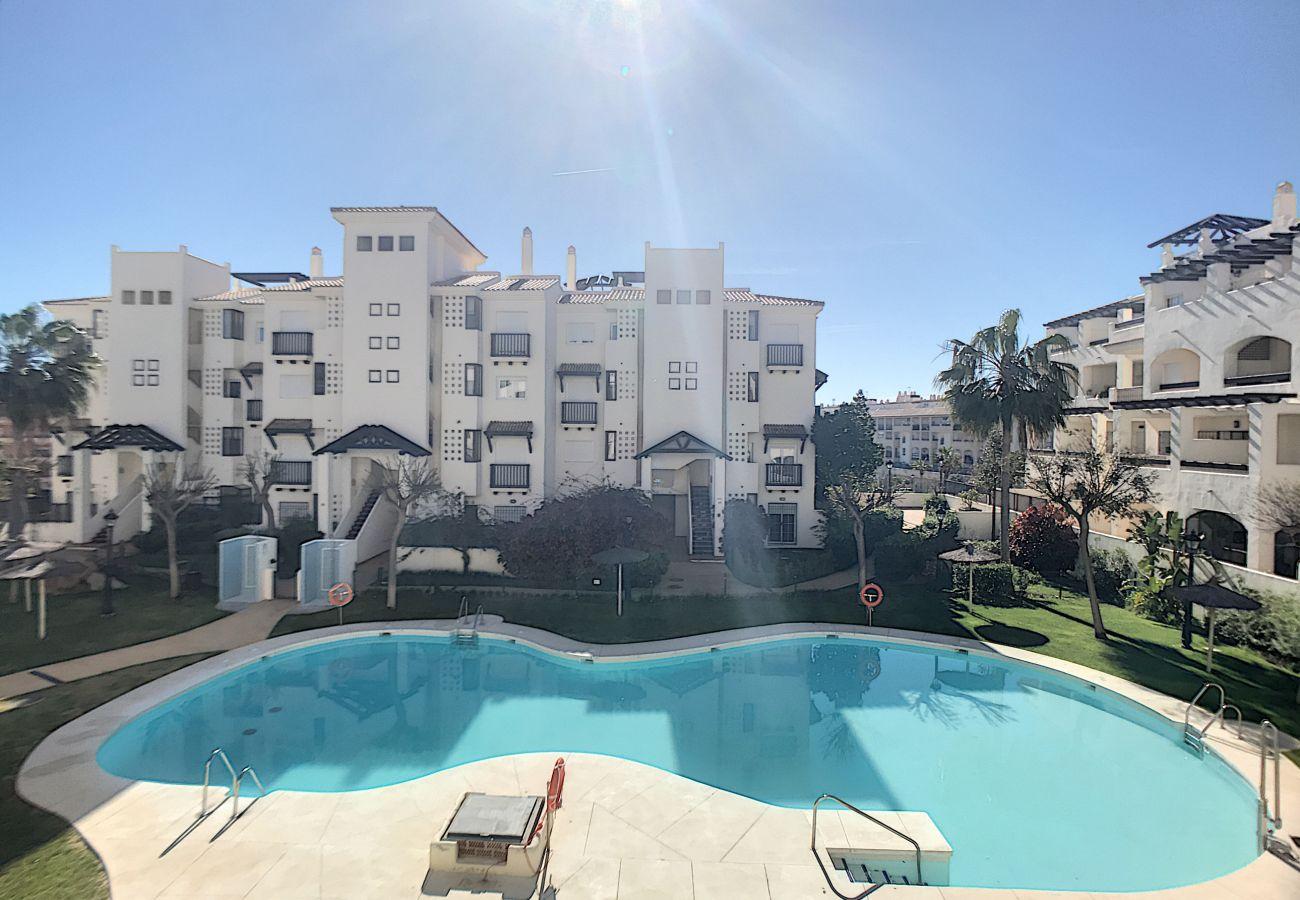 Zapholiday - 2239 - Duquesa vakantieappartement - zwembad