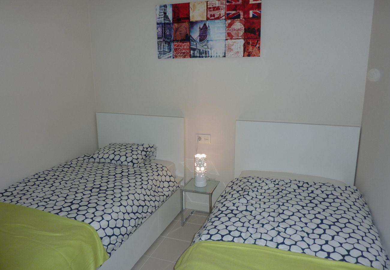 Zapholiday  -  3011  -  Appartement Orihuela Costa, Costa Blanca  –  slaapkamer