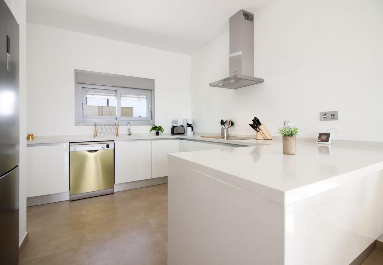 Zapholiday - 3021 - villa Orihuela, Alicante - keuken