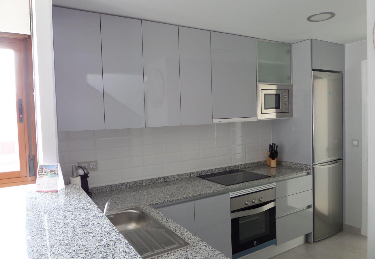 Zapholiday - 3029 - Orihuela Costa penthouse, Costa Blanca - keuken