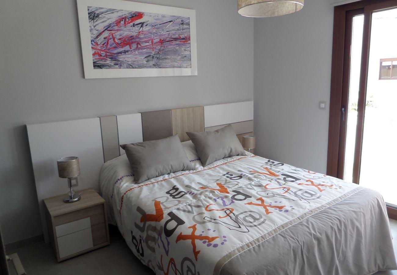 Zapholiday - 3029 - Orihuela Costa penthouse, Costa Blanca - slaapkamer