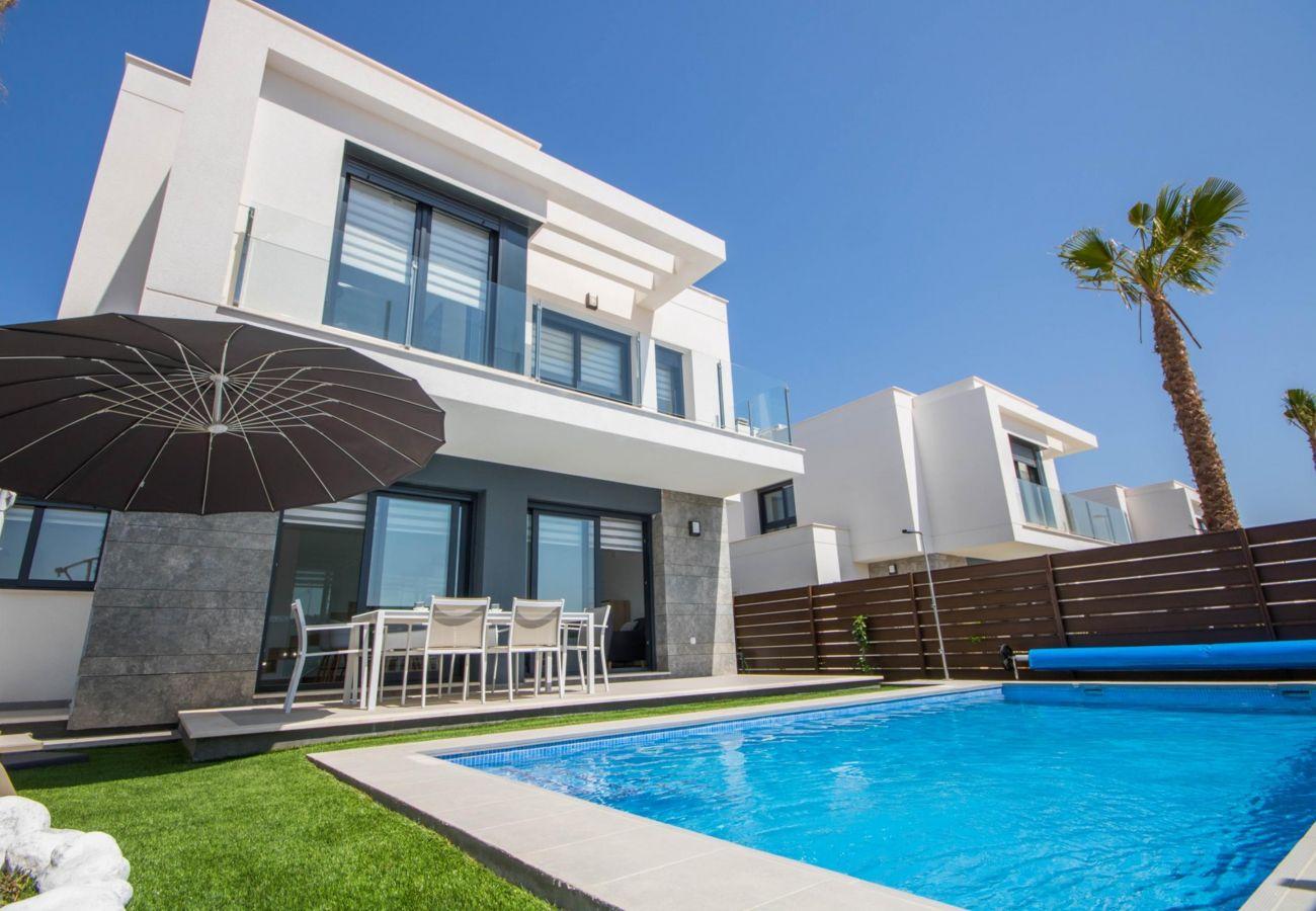 Zapholiday - 3034 - Villa Costa Blanca, Alicante - zwembad