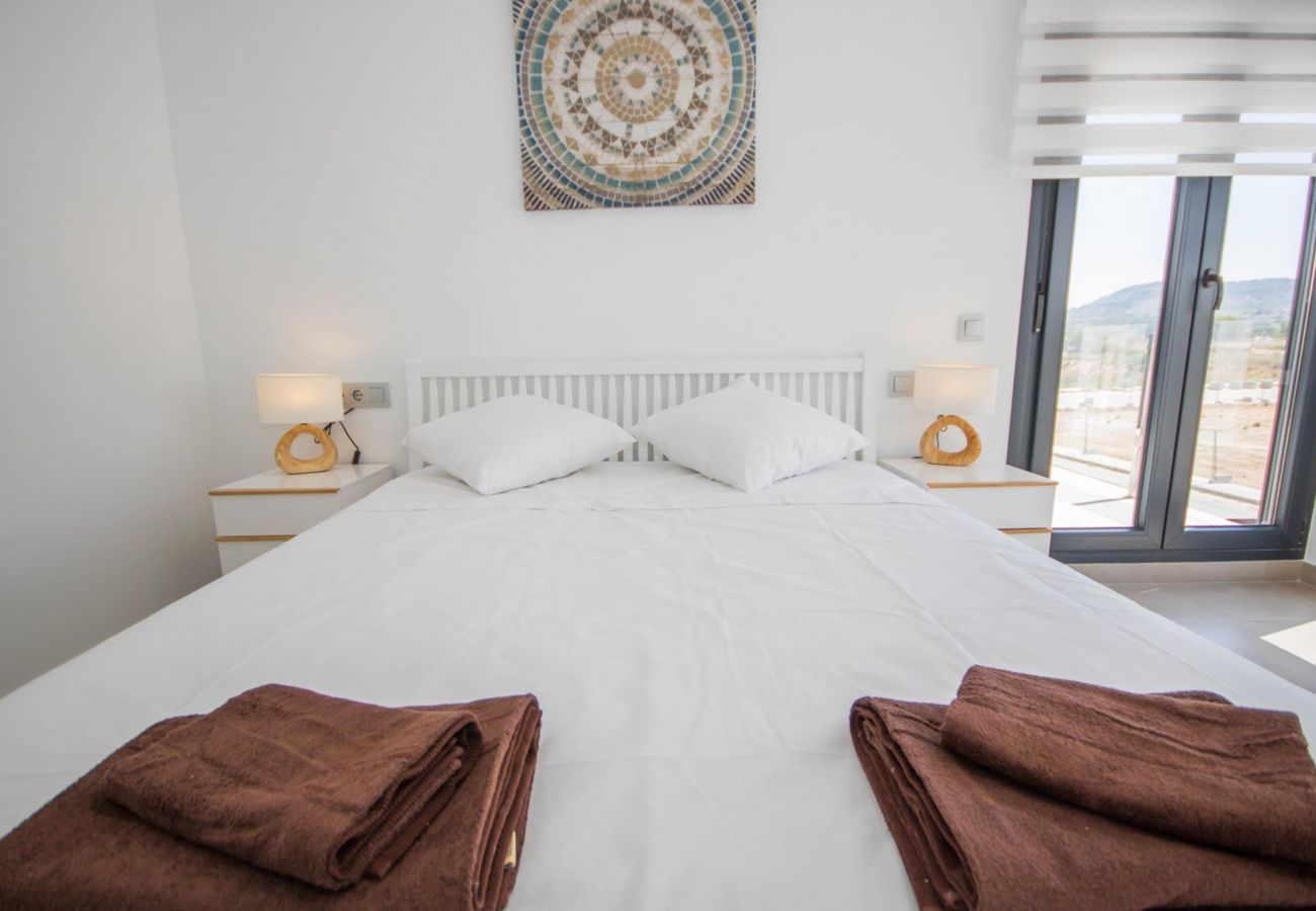 Zapholiday - 3034 - Villa Costa Blanca, Alicante - slaapkamer
