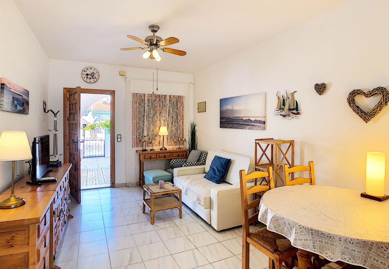 Zapholiday - 3046 - verhuur appartement Villamartin, Costa Blanca - woonkamer