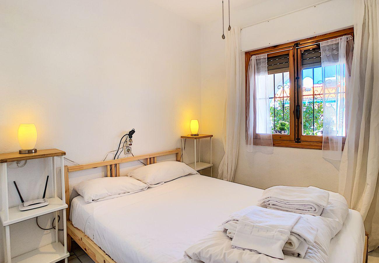 Zapholiday - 3046 - verhuur appartement Villamartin, Costa Blanca - slaapkamer