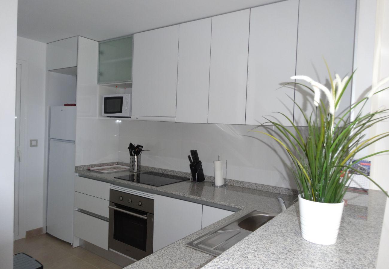 Zapholiday - 3056 - Appartement Terrazas de Campoamor, Costa Blanca - keuken