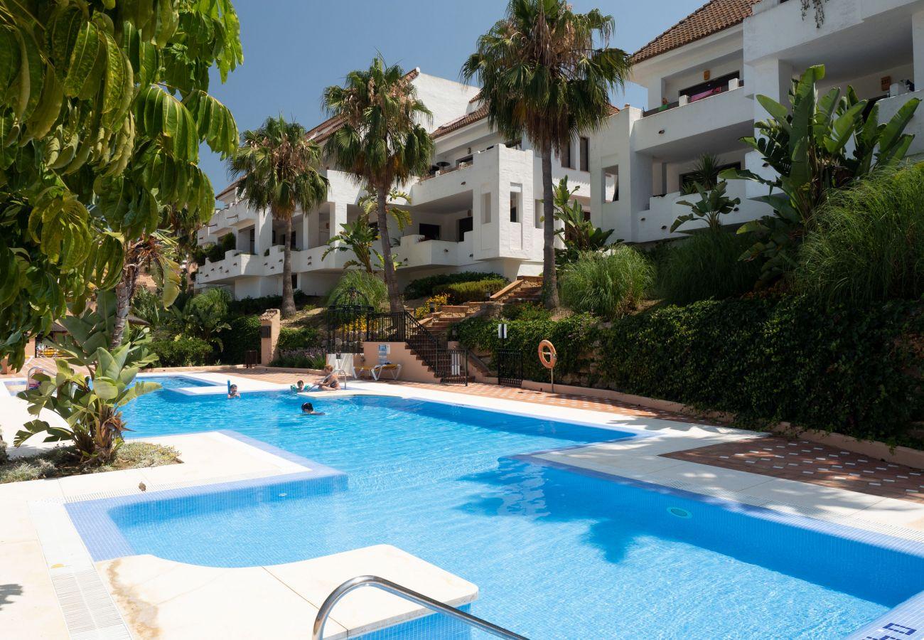 Zapholiday - 2290 - appartement verhuur La Duquesa, Costa del Sol - zwembad