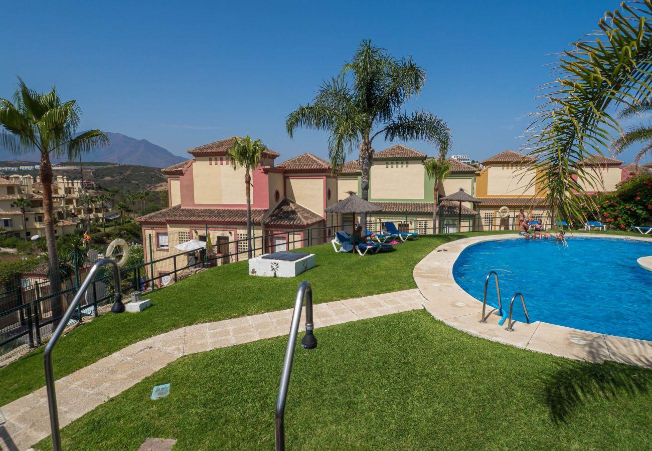 Zapholiday - 5002 - appartement verhuur La Duquesa, Costa del Sol - zwembad