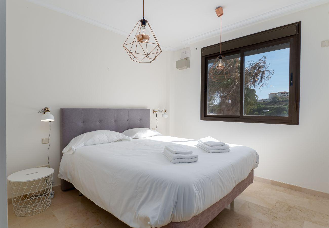 Zapholiday - 2297 - Casares appartement, Costa del Sol - slaapkamer