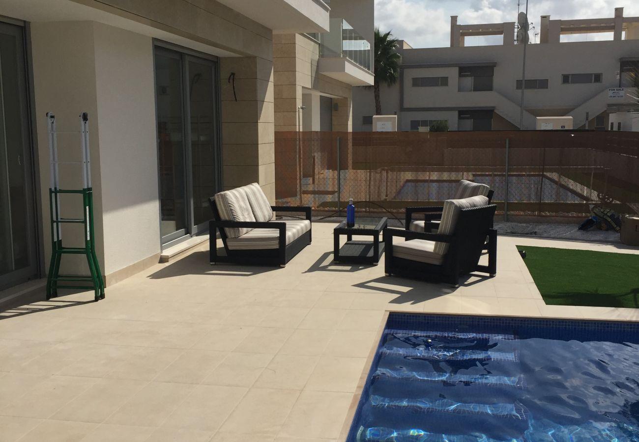 Zapholiday - 3018 - villa Orihuela, Alicante - terras