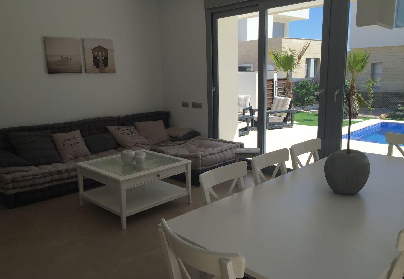 Zapholiday - 3018 - villa Orihuela, Alicante - woonkamer