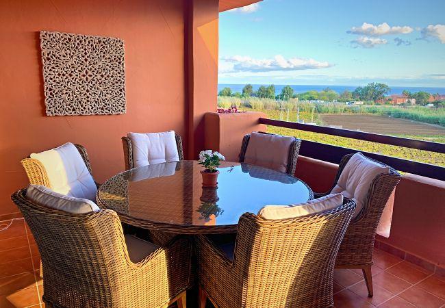 ZapHoliday - 2303 - appartement verhuur in Manilva, Costa del Sol - terras