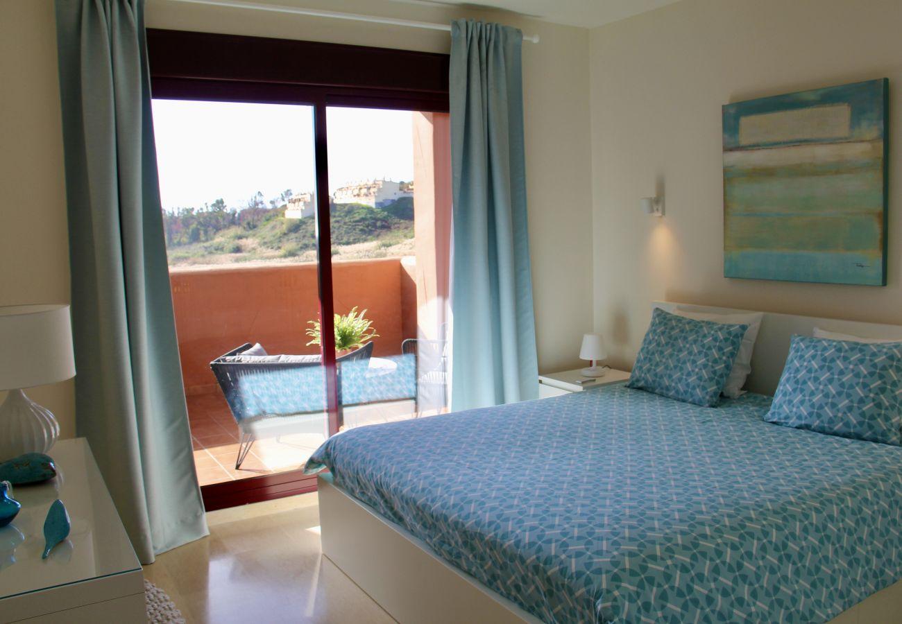 ZapHoliday - 2303 - Vakantiewoning in Manilva, Costa del Sol - slaapkamer