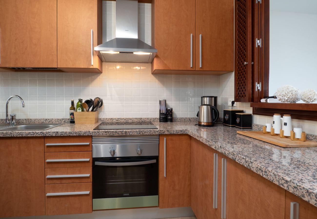 ZapHoliday - 2305 - appartement verhuur in La Alcaidesa, Costa del Sol - keuken